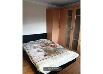 Room to rent in Cranbrook Road, Ilford IG6