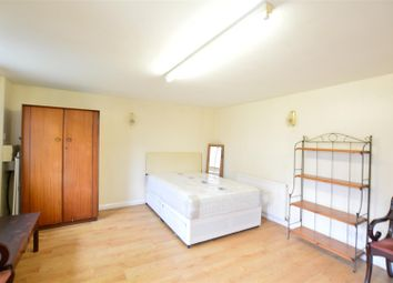 Thumbnail Studio to rent in Hampshire Avenue, Slough