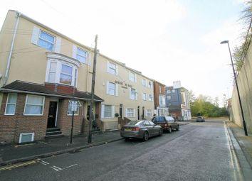 Thumbnail Property to rent in Bridge Terrace, Albert Road South, Ocean Village, Southampton