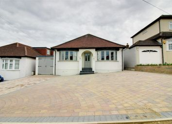 Thumbnail 3 bedroom detached house for sale in Kingswell Ride, Cuffley, Potters Bar