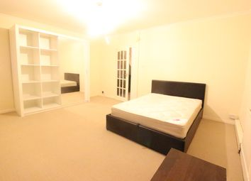 Thumbnail Room to rent in Danebury Avenue, London