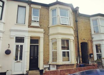 2 bed flat to rent in St. Leonards Road, Southend-On-Sea SS1