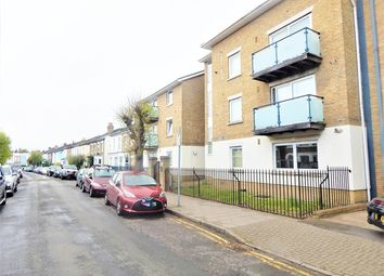 Thumbnail 2 bed flat to rent in Cascades Court, Hartfield Crescent, Wimbledon, London