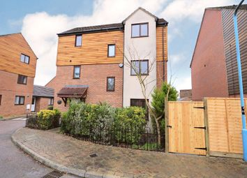 Staverton Grove, Broughton, Buckinghamshire, Buckinghamshire MK10. 4 bed detached house for sale