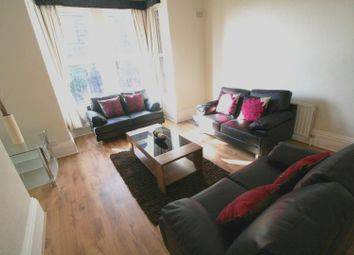 Thumbnail 6 bed flat to rent in Flat 2, 4 Winstanley Terrace, Hyde Park