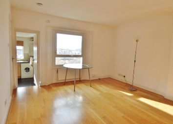 Thumbnail 2 bed flat to rent in Linden Grove, London