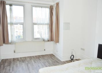 Thumbnail 2 bedroom flat to rent in Green Lanes, London