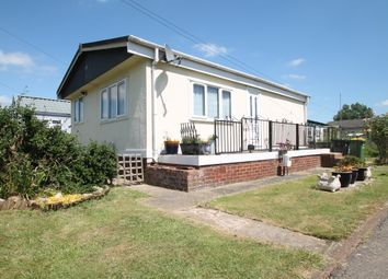 2 bed mobile/park home for sale in Dome Village, Lower Road, Hockley Village SS5