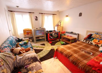 Thumbnail 1 bed flat to rent in Colindale Avenue, Colindale