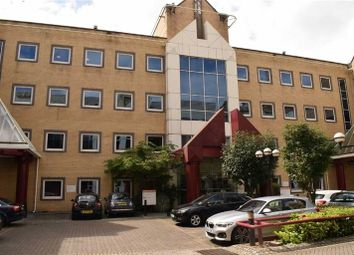 Thumbnail Office to let in Meridian Gate, 221 Marsh Wall, London