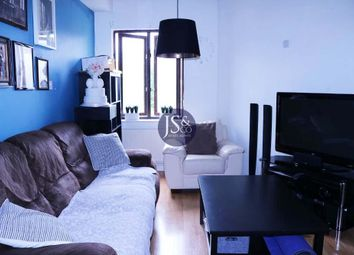 Thumbnail 3 bed flat for sale in Iceland Wharf, Surrey Quays, London