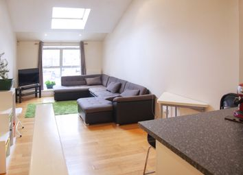 2 bed maisonette to rent in Rossendale Street, London E5