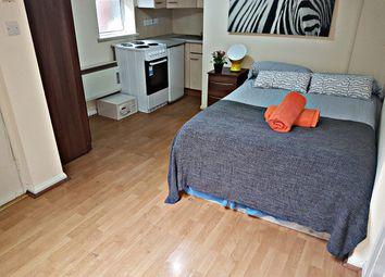 Thumbnail Studio to rent in Park Avenue, Willesden Green