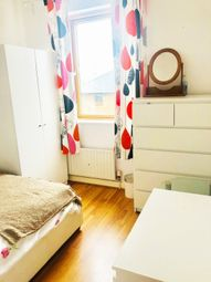 Thumbnail 4 bedroom flat to rent in Eagle Wharf Road, London