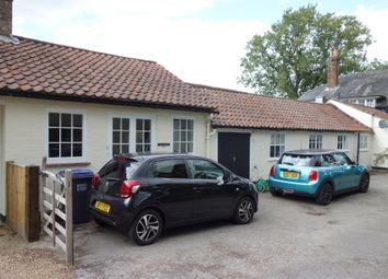 Thumbnail 2 bed flat to rent in Osborne Road, Potters Bar