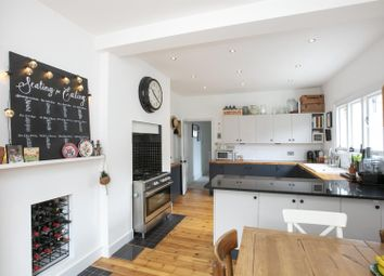 2 bed maisonette for sale in Bavent Road, London SE5