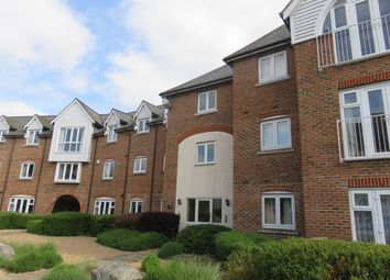 Thumbnail 2 bed flat to rent in 100 The Lakes, Aylesford, Maidstone