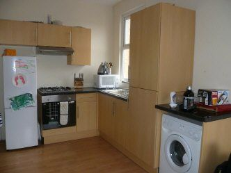 Thumbnail 1 bed flat to rent in Arches Industrial Estate, Spon End, Coventry