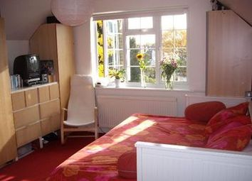 Thumbnail Studio to rent in Chiswick High Road, Turnham Green, London