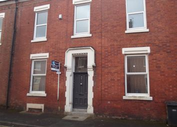 Thumbnail 3 bedroom flat to rent in North Cliff Street, Preston, Lancashire