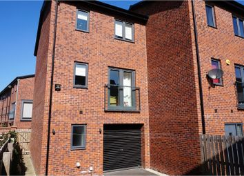 Thumbnail 3 bed town house to rent in Cable Place, Leeds