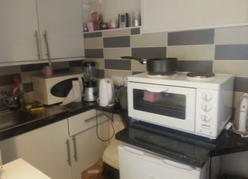 Thumbnail 1 bed flat to rent in Churchfield Road, Acton