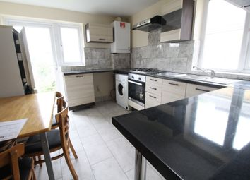Thumbnail 3 bed flat to rent in Evering Road, Stoke Newington