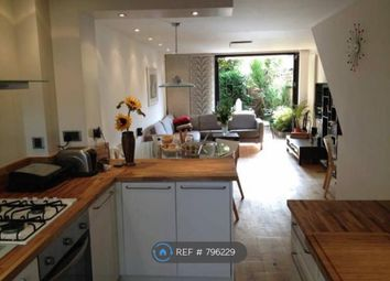 3 bed maisonette to rent in Sunbury Lane, Battersea Square SW11