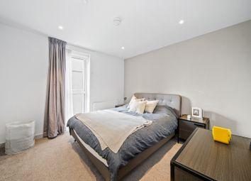 120, Elephant Road, London SE17. 2 bed flat