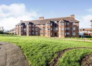 3 bed flat for sale in Vicarage Road, Woodford Green, Essex IG8