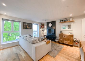 2 bed flat for sale in Gatcombe Road, London E16