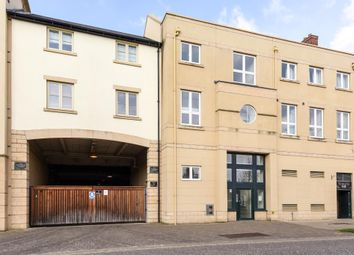 Thumbnail 2 bedroom flat for sale in Marriotts Walk, Witney