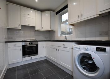Thumbnail 2 bed flat to rent in Newhaven Road, London