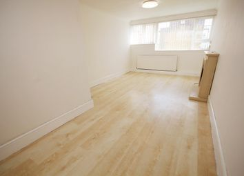 Thumbnail 1 bed flat to rent in Fennycroft Road, Hemel Hempstead
