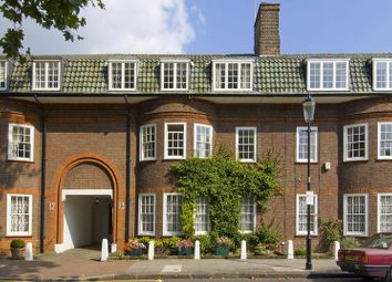 Thumbnail 6 bed terraced house for sale in Chelsea Square, Chelsea, London