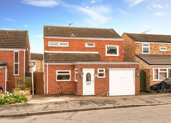 Daly Avenue, Hampton Magna, Warwick CV35. 3 bed detached house
