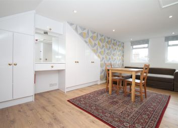 Thumbnail Studio to rent in Park Avenue, London