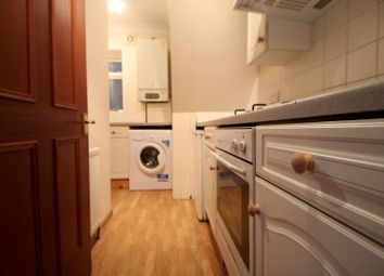 Thumbnail 1 bed flat to rent in Queens Road, East Grinstead