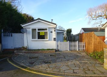 Thumbnail 1 bed mobile/park home for sale in Meadowside Park, Common Road, Lingfield, Surrey