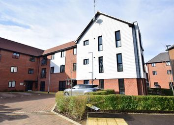 2 bed flat for sale in Charlotte Way, Leybourne, West Malling, Kent ME19