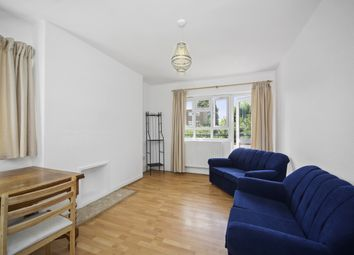 2 bed flat to rent in Aldrington Road, London SW16