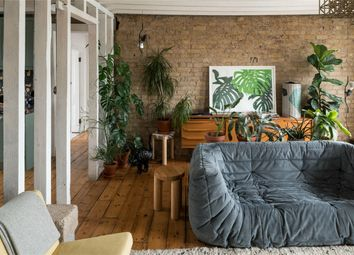 Thumbnail 2 bed flat for sale in Stoke Newington High Street, London
