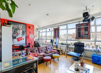 Thumbnail 2 bedroom flat for sale in Queens Road, Brighton