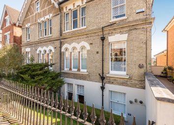 Woodbury Park Road, Tunbridge Wells TN4. 2 bed flat for sale