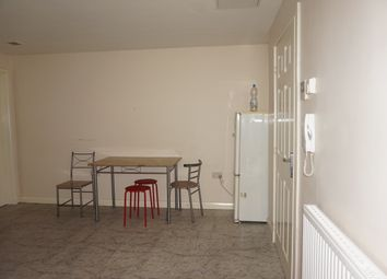 Thumbnail 2 bed flat to rent in Stuart Street, Luton