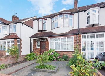 Thumbnail 3 bed property for sale in Meadow Close, London