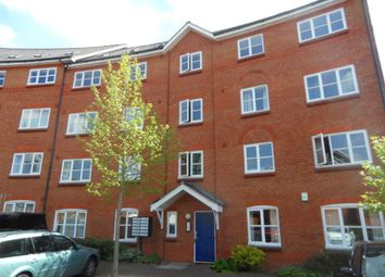 Thumbnail 3 bedroom flat to rent in Prebend Street, Bedford