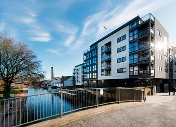 Thumbnail 3 bed flat for sale in Angel Wharf, Shepherdess Walk, Islington