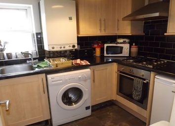 Thumbnail 2 bed flat to rent in Northcote Road, London