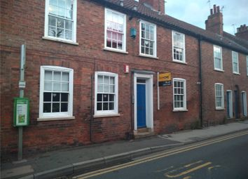Thumbnail 1 bed flat to rent in Albert Street, Newark, Nottinghamshire